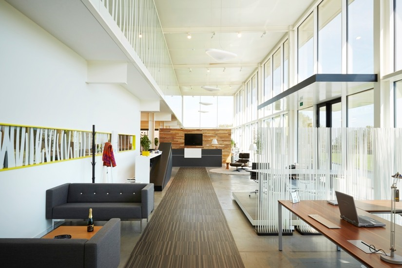 Showroom met magazijn buro modern waregem for Buro modern carhaix