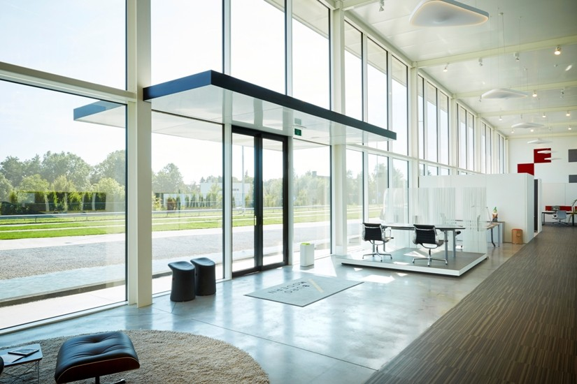 Showroom met magazijn Buro Modern, Waregem