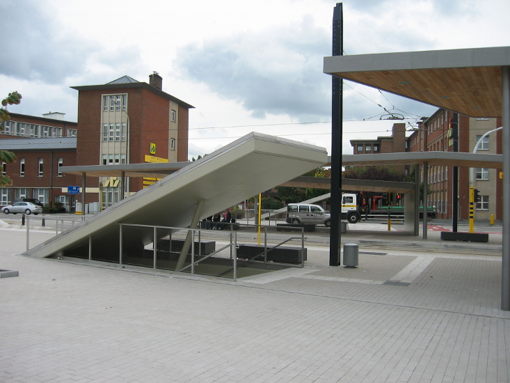 Covered stop and substation De Lijn, Don Bosco Gent