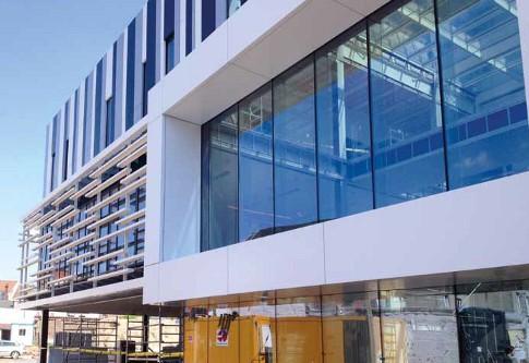 Bouwen aan Vlaanderen: 'Compact, transparant en slim gebouw voor TMVW'